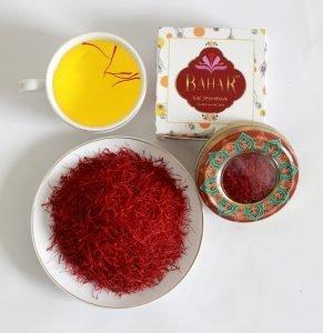hme1530454648 291x300 - Những công dụng thần kỳ của nhụy hoa nghệ tây (Saffron)